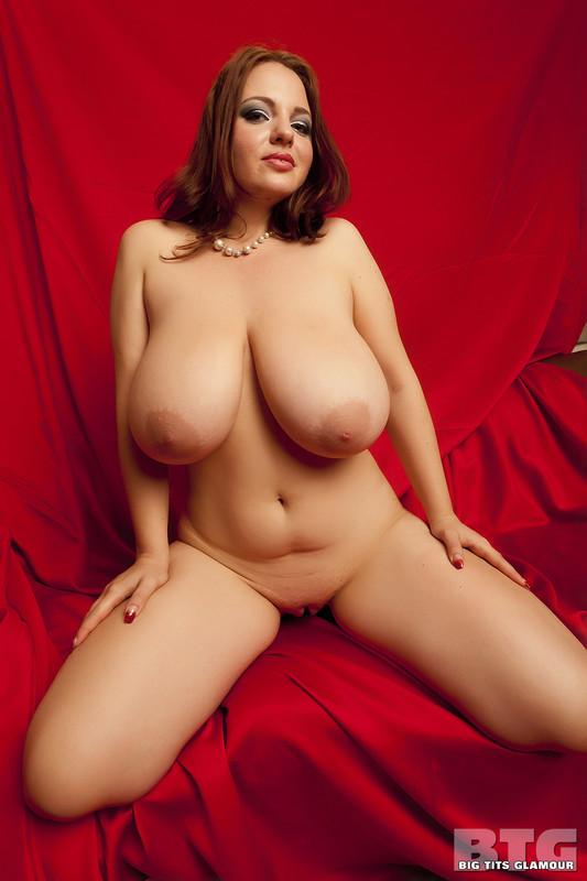 большие голые женщены