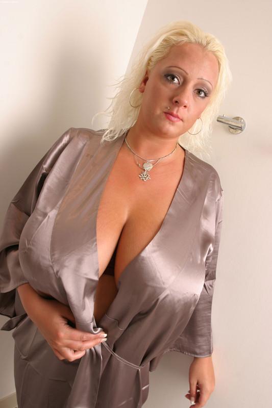 Free hot naked woman pics