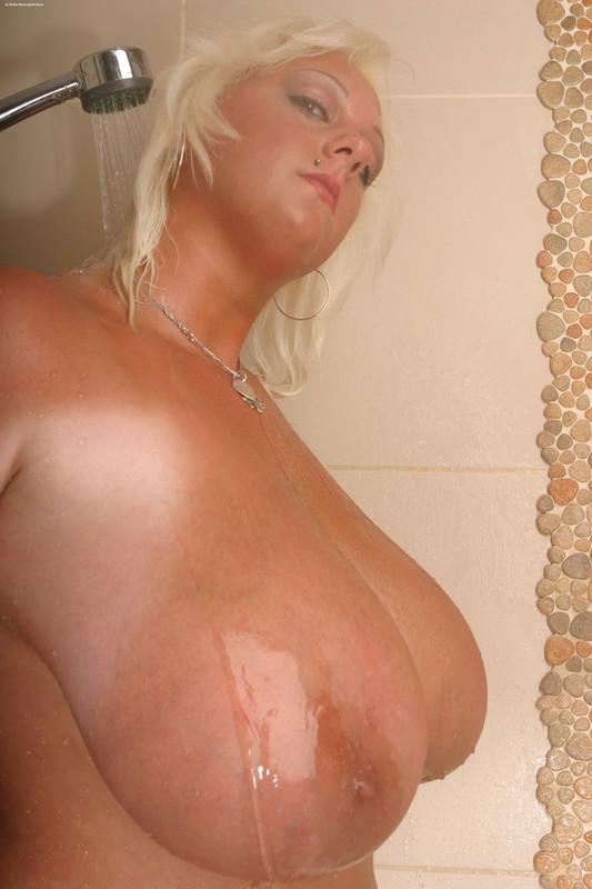 Buxom desnuda madura gallaries