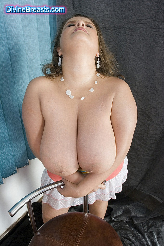 are jennifer tillys boobs real