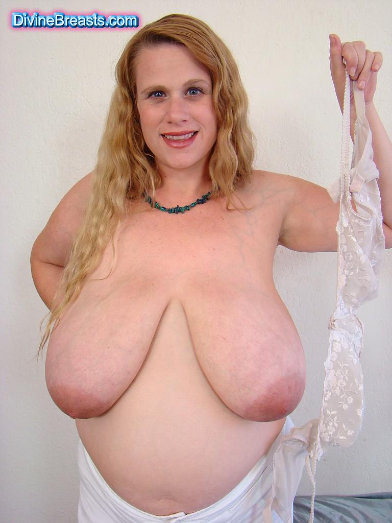 divinebreasts big tits pictures and big boobs videos foto cewek