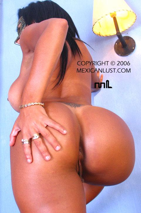 http://www.lesgalls.com/pics/mexlust/gal42x9s/pic_11.jpg