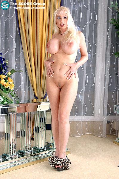 Lanas big boobs would love