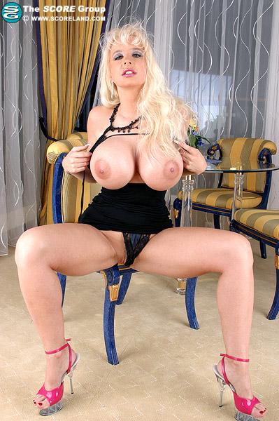 Lanas big boobs ist