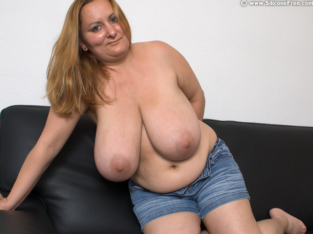 huge natural tits gallery dude