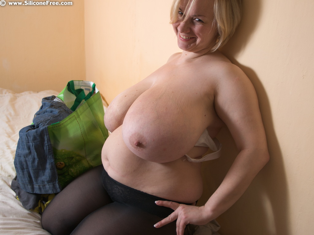 Mature woman anal porn