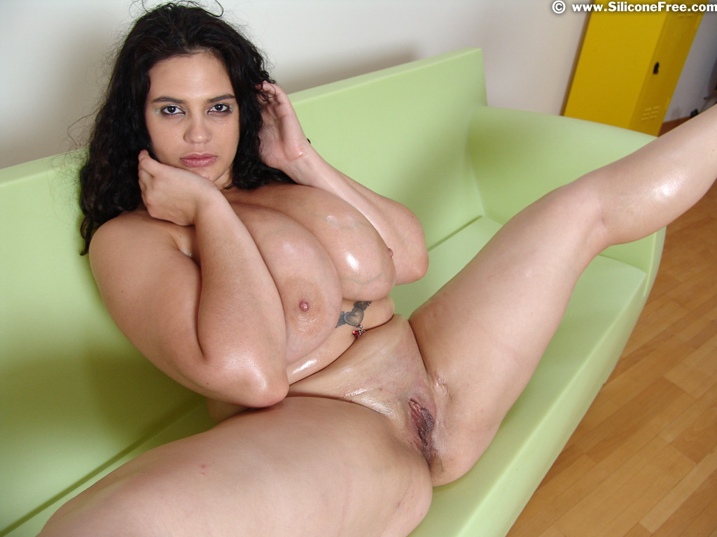 Huge naturals boobs free mobile iphone porn 4