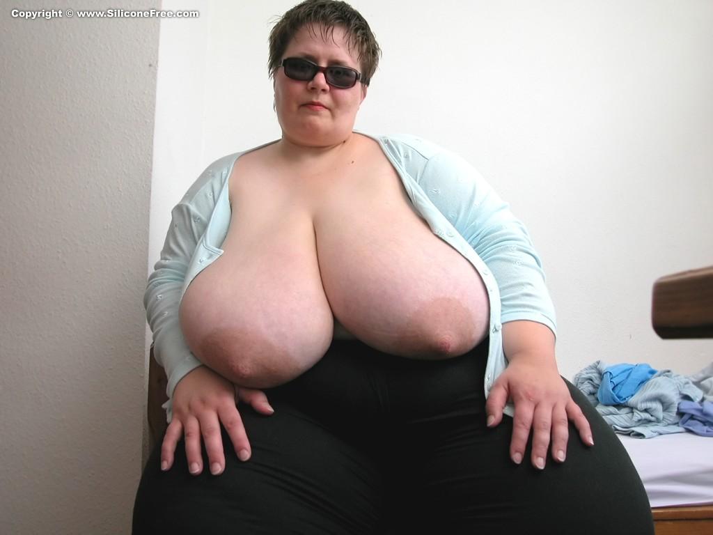 фото самых огромных женских сисяндр