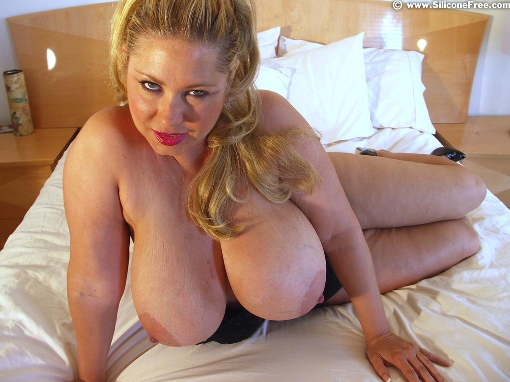boob big natural