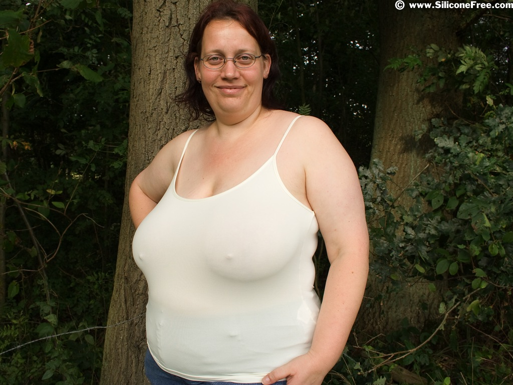 Huge natural boobs and juicy pussy 3
