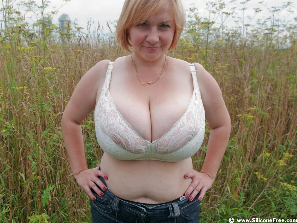 girls with huge breast