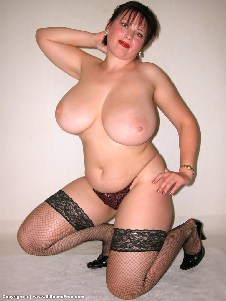 Plus size nude wife