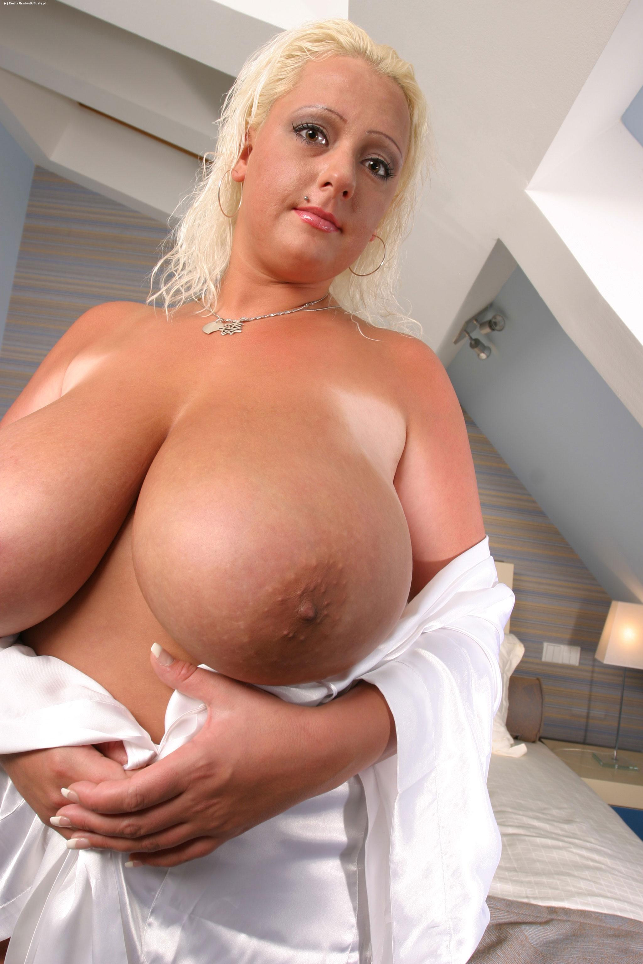 Aunties nude pics