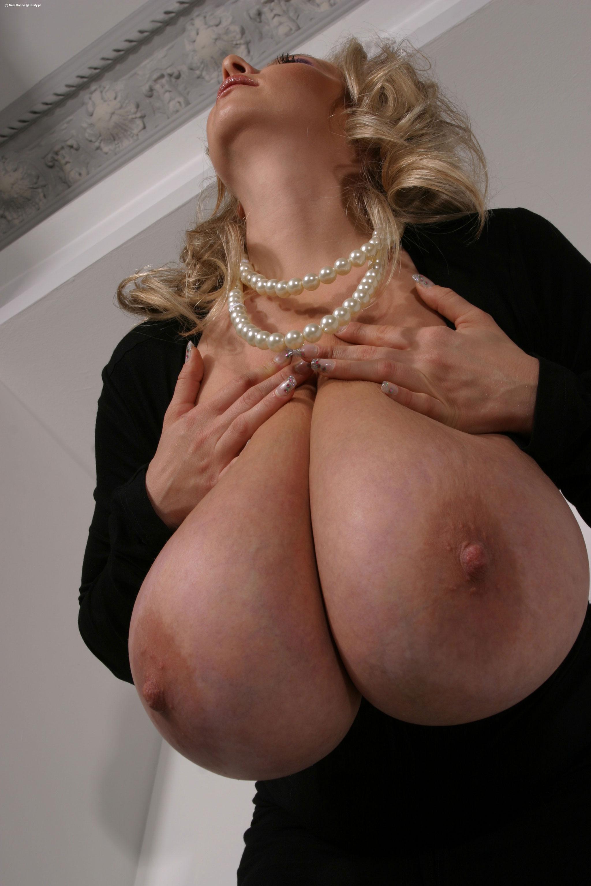 Фото порно огромная грудь 13 фотография