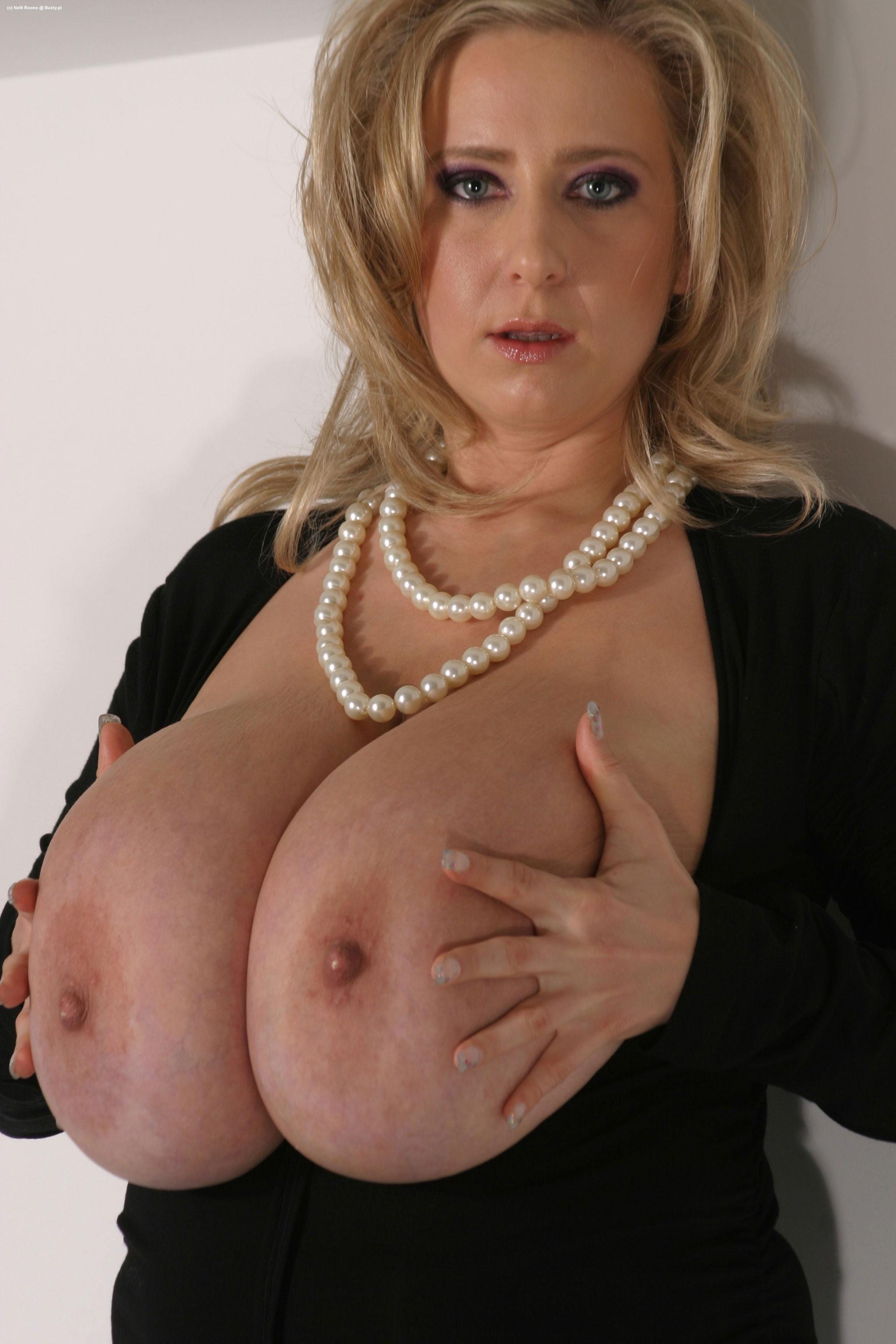 Взрослая женщина с большой грудью @ bigobe.com