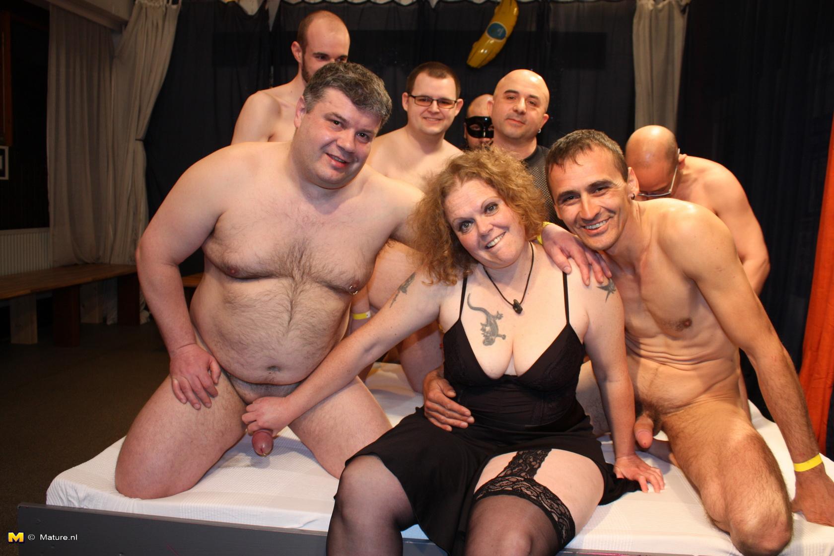 Чешка отдалась толпе мужиков 4 фотография