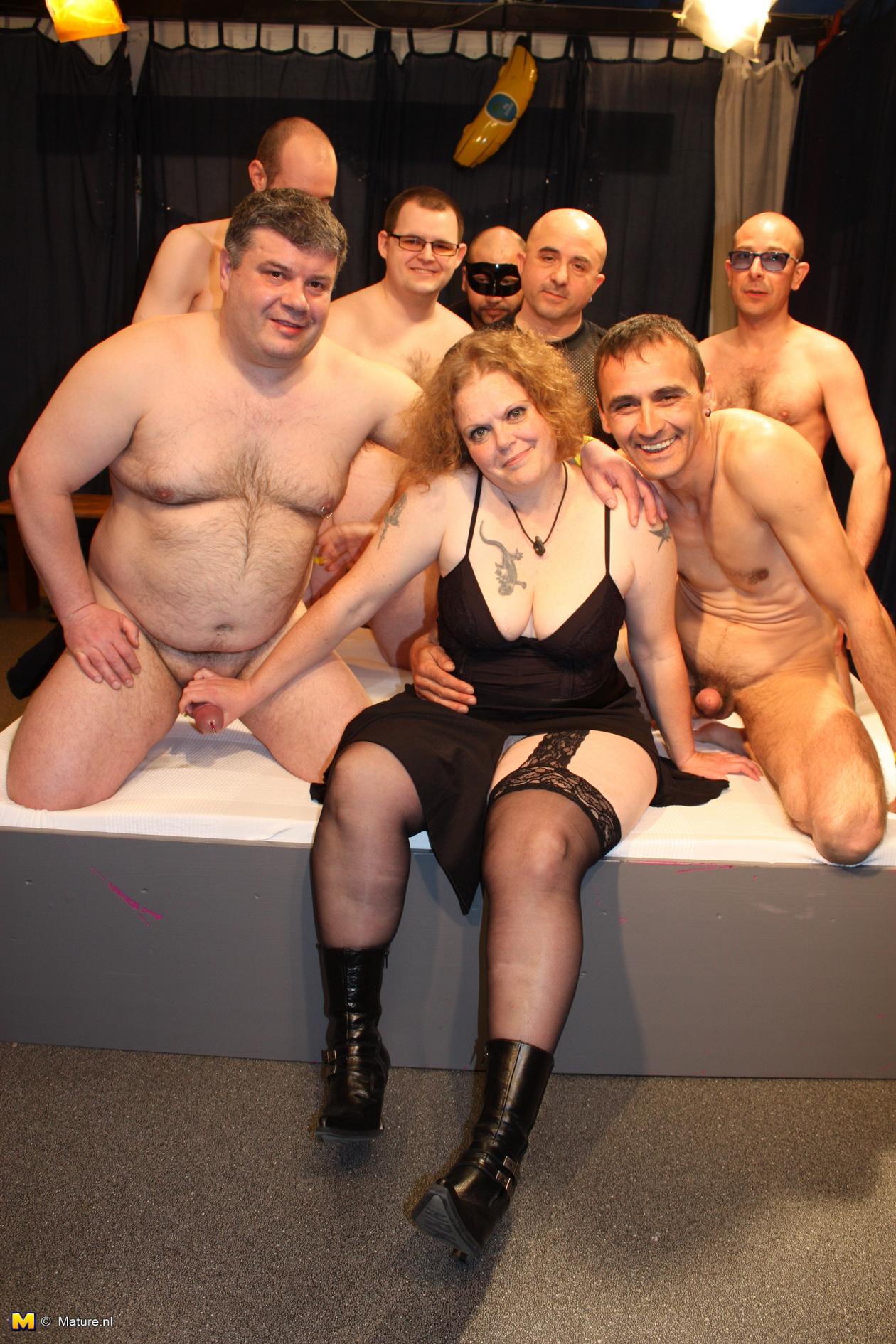 Чешка отдалась толпе мужиков 8 фотография
