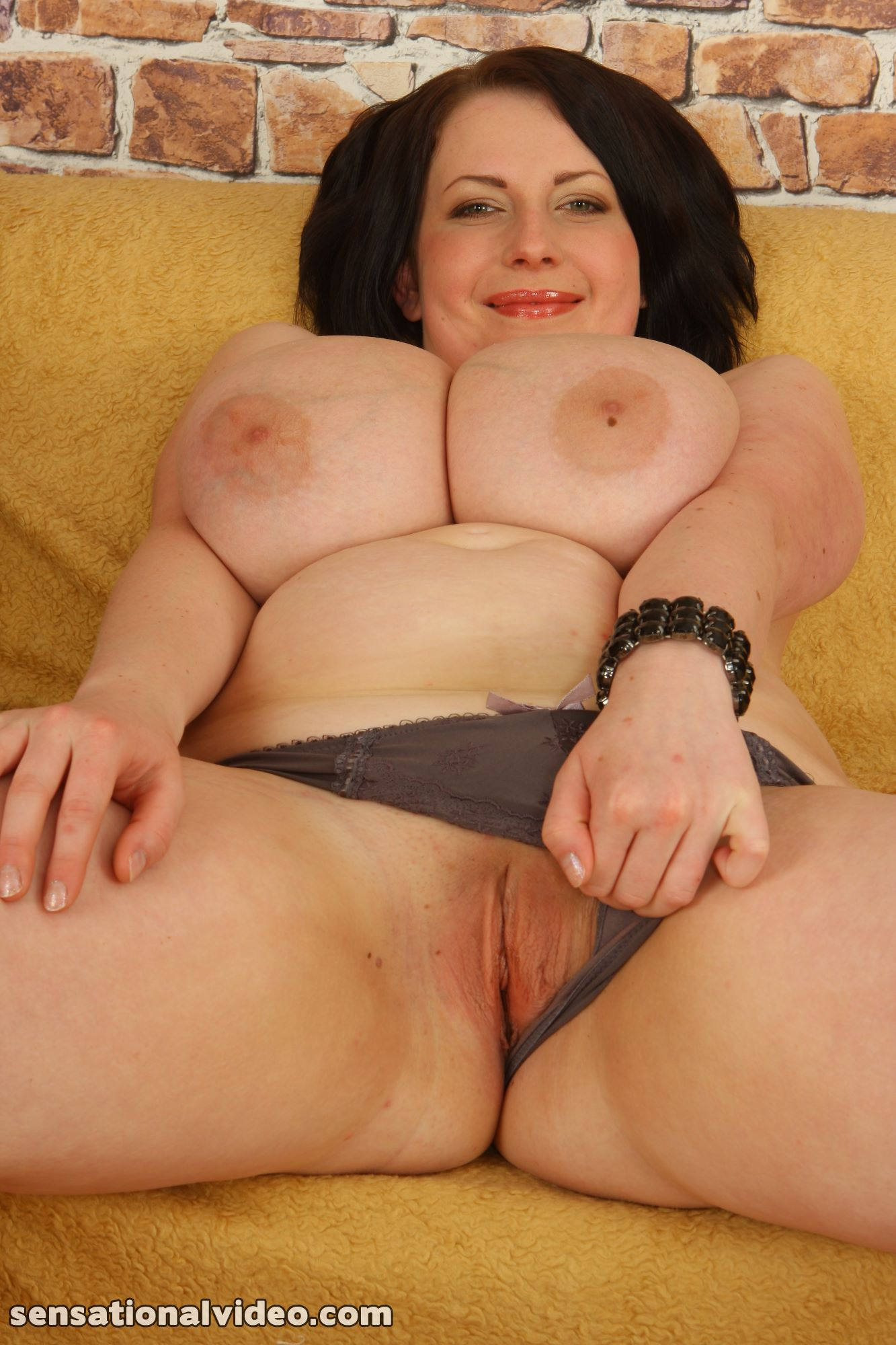 lesgalls spicytitties plumperpass gal535 pic 18