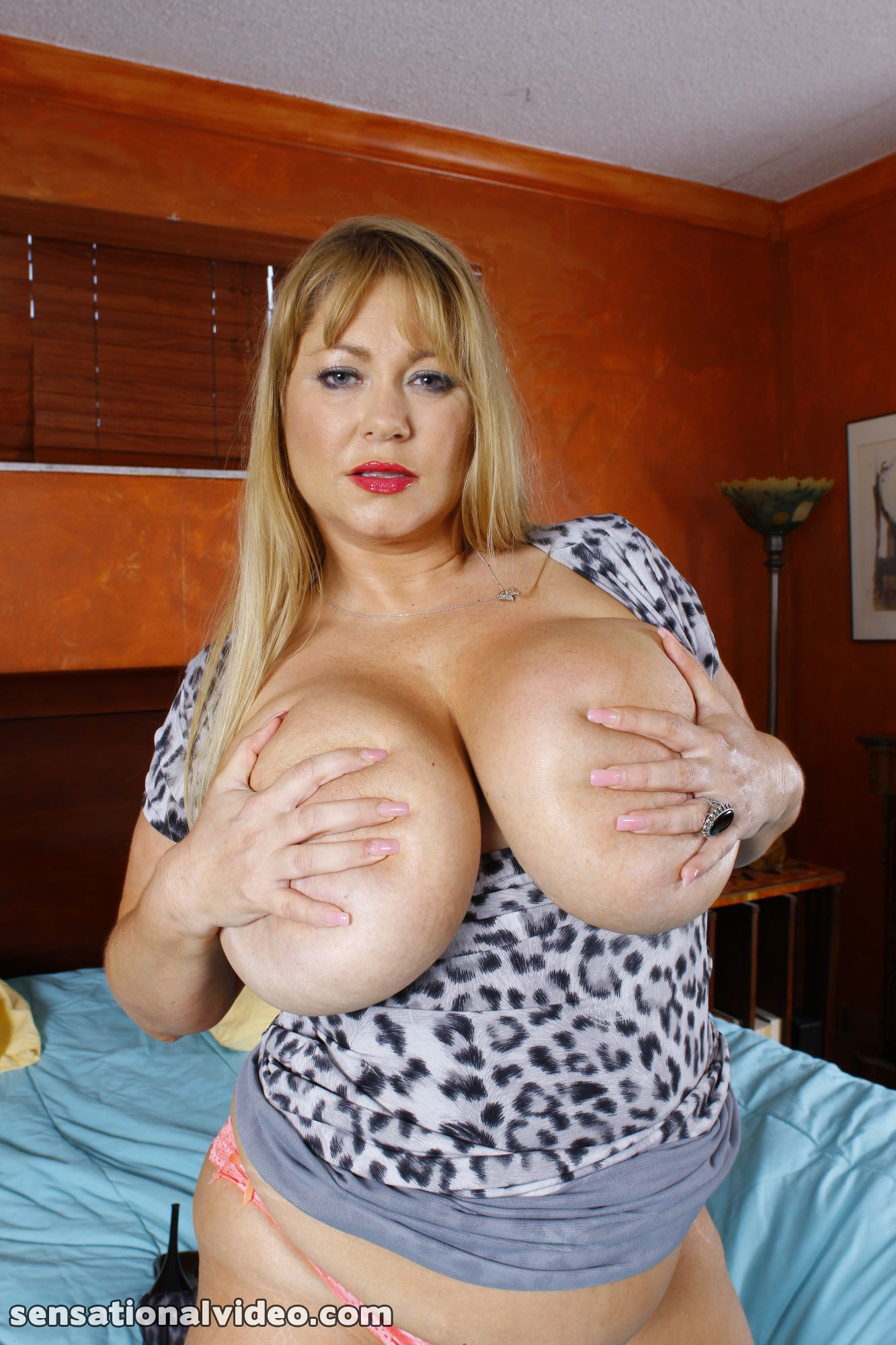 lesgalls spicytitties plumperpass gal538 pic 9