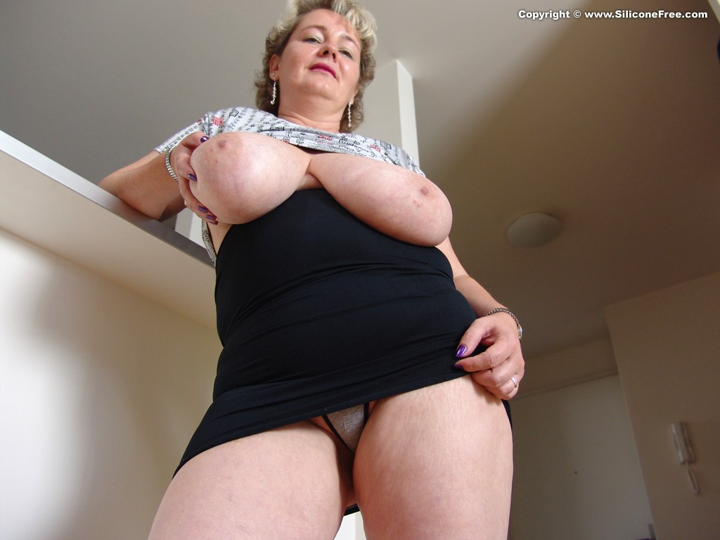 2 big saggy tits mommies young guy stockings 7