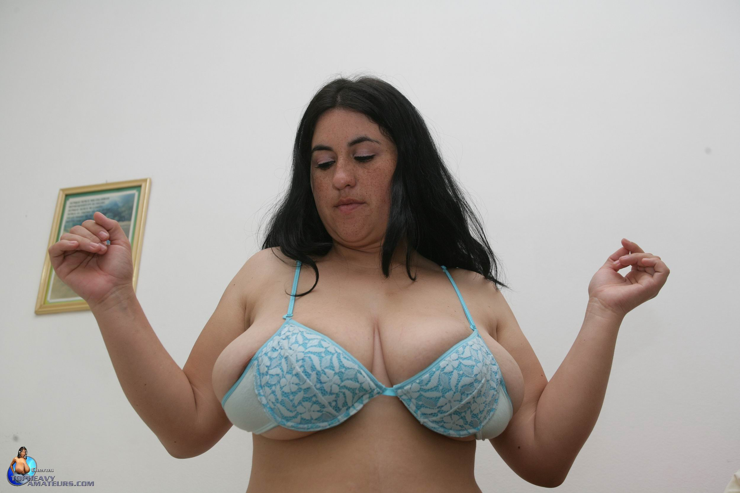 Hot busty gal amateur live cam video 2